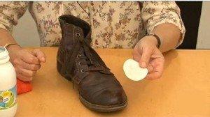 Faire briller ses chaussures sans cirage cest pas b te - Comment cirer ses chaussures sans cirage ...